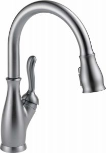 Delta Leland 9178-AR-DST single handle pull-down kitchen faucet with MagnaTite docking system